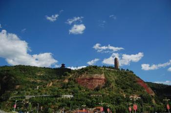 难道宝塔山,清凉山,杨家岭,枣园,王家坪就是红色延安吗?
